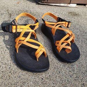 CHACO Women's Size 7 Hiking Sandal EUC